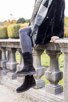 Perfekter Moment für Dich und Deine Paul Green All Weather  Booties. #derschuhmeineslebens #paulgreen #stiefeln #allweather www.paul-green.com Dna, Moment, Boots, Winter, Fashion, Paul Green Shoes, Ideas, Crotch Boots, Winter Time