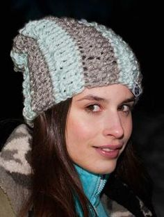 Free My Mountain Pattern Fremont Peak - Grey and aqua are a great combination, as shown in this crocheted hat. When the colors fade at night, the Schachenmayr original Lumio Fine yarn shows what it can do: set shining accents in the darkness. An ideal hat for anyone who likes to turn night into day!