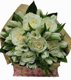 buchete din lalele si trandafiri albi Floral Wreath, Wreaths, Luxury, Collection, Home Decor, Floral Crown, Decoration Home, Door Wreaths, Room Decor
