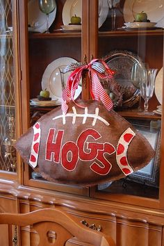 Burlap football door hanger tutorial. of course would not make one that says hogs