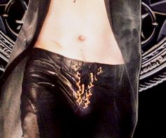 Oh come on! Admit it...we have all sat there playing trace the lines with this one! :D #CrotchWatch #LeatherPantsP0RN #DavidTennant