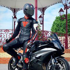 Sexy Biker Men, Biker Boys, Biker Leather, Leather Men, Black Leather, Motorcycle Suit, Motorcycle Jackets, Motard Sexy, Motorbike Leathers