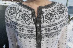 Sagavoll med rundfelling   Full av Ull Knit Jacket, Vests, Knitting, Sewing, Sweaters, Jackets, Image, Fashion, Tutorials