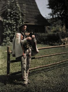 Man playing bagpipes/  (male highland dress /Podhale)