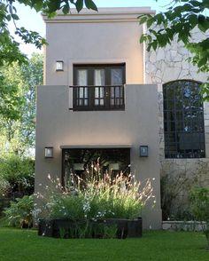 """232 Me gusta, 27 comentarios - loli clement (@loliclement) en Instagram: """"La luz de las 7am en noviembre que baña las #gauras #home #myhome #window #garden #frontgarden…"""""""