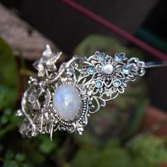 Maetrieme on Etsy Swarovski, Brooch, Boutique, Rings, Floral, Etsy, Jewelry, Alice Band, Box Sets