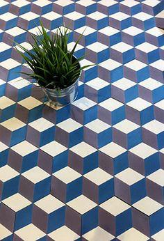 Carreau ciment Hexagone 15x15 Bleu, parme et beige Carrelage du Marais .