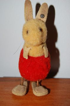 VERY RARE PRE- WAR STEIFF MINIATURE WOOLEN RABBIT Serial 7136 .1936-1941