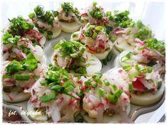 Kuchenne zapiski Edyty: Jajka faszerowane pieczarkami pod pierzynką z nowa... Fresh Rolls, Potato Salad, Food To Make, Sushi, Grilling, Salads, Food And Drink, Appetizers, Meals