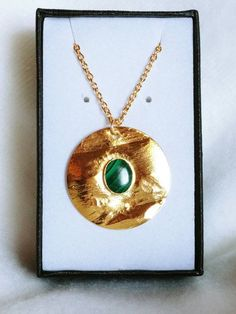 Collier Antique, Washer Necklace, Pendant Necklace, Malachite, Antiques, Boutique Etsy, Jewelry, Moon Necklace, Plating