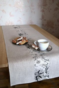 Natural linen table runner Dinner taupe table setting Eco friendly vegan runner Tan table decor Gray white with floral black print runner Table Runner Size, Table Runner And Placemats, Table Runner Pattern, Quilted Table Runners, Rideaux Design, Machine Quilting Designs, Simple Machines, Deco Table, Mug Rugs