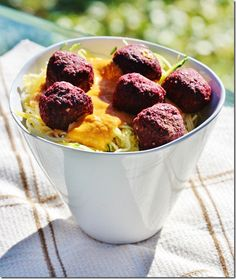 Raw Spaghetti and Beet Balls shared by lassensloves.com
