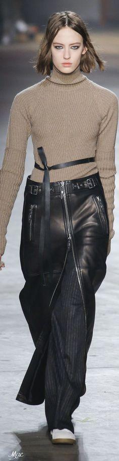 Zip through long leather skirt Order your fetish https://www.etsy.com/shop/RuslanaRoman