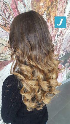 Indossa le sfumature create esclusivamente per te _ Degradé Joelle #cdj #degradejoelle #tagliopuntearia #degradé #igers #musthave #hair #hairstyle #haircolour #longhair #ootd #hairfashion #madeinitaly #wellastudionyc