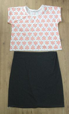 Use a free t-shirt pattern to sew a cute GAP dress knockoff with this easy sewing tutorial. Learn how to make a tee shirt dress.