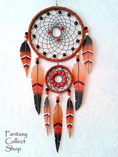 Интересные идеи. В стиле Ловец снов Modern Bohemian Decor, Feather Wall Decor, Dream Catcher Art, Diy And Crafts, Arts And Crafts, Dream Catcher Native American, Native American Crafts, Indian Crafts, Boho Wall Hanging