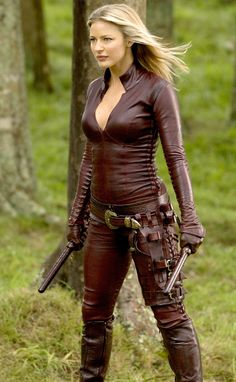 The sexy Tabrett Bethell from Legend of the Seeker and The Clinic