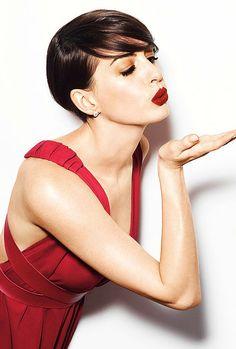 Anne Hathaway ~blow me a kiss