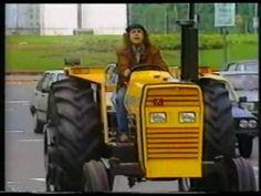 'El tractor amarillo' - MANUEL CALDERÓN