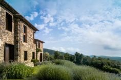 Rental of the week: a Spanish villa on the Costa Brava Granada, Spanish Modern, Spanish Villas, Mother Nature, Living Spaces, The Incredibles, House Design, Cabin, Mansions