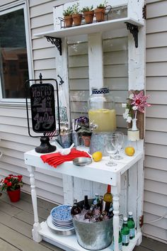 Take an old door and turn it into a beverage station for your outdoor patio. Take an old door and turn it into a beverage station for your outdoor patio. Diy Outdoor Bar, Outdoor Parties, Outdoor Entertaining, Outdoor Decor, Old Door Projects, Old Door Crafts, Diy Projects, Diy Außenbar, Potting Station