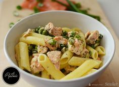 Fit pasta with salmon and peas. – recipe from Smaker. Salmon Pasta, Pea Recipes, Penne, Pasta Salad, Potato Salad, Ale, Potatoes, Lunch, Ethnic Recipes