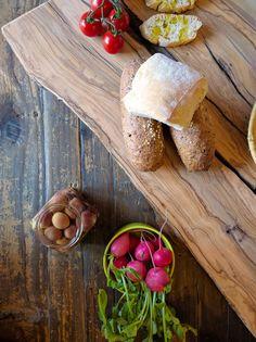 Simplicity: Bread, olive and Tuscan extravirgin... www.olio.ilbottaccio.com #TuscanEvoo #ilBottaccio