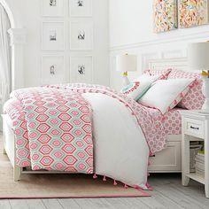 Diamond Daisy Duvet Cover + Sham - bed layering