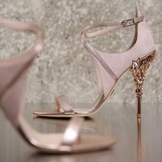 Stepping into a world of glamour with @ralphandrusso for #ShoesdayTuesday!