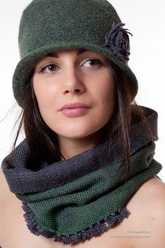 Modello Bosco. 100%lana merino. Tessuto a mano con amore da Rovida Design #artigianato #designautoprodotto #wool #ecostenibile #madeintuscany