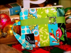patchwork wristlet tutorial