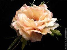 цветы из шелка брошь, цветы из ткани мак алый, мак красный брошь, заколка в прическу мак  мак из ткани брошь,красный мак украшение в прическу, искусственные цветы мак, изделия из шелка цветок, ободок