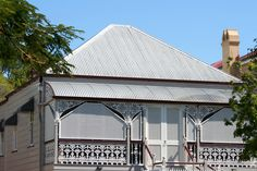 'Workers Cottage' Queenslander. My favourite type of house.