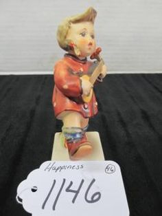 "HUMMEL FIGURINE ""HAPPINESS"" #86 4.75"" WANDERLIED MÄDCHEN W. GERMANY  GREAT CONDITION #hummel #happiness"