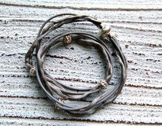 Bracelet Silk and leather to wrap  by Charmecharming 17,00 €