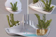 Un escurridor de platos súper ecológico y muy práctico. Es que no sólo evitás el enchastre de la cocina sino que, además, regás las plantas. Foto:bemlegaus.com