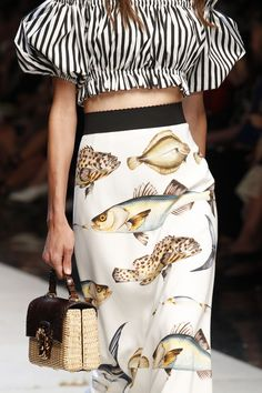 Dolce & Gabbana Spring 2017 Ready-to-Wear Fashion Show Details