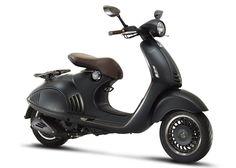 Vespa Armani, moto da Piaggio assinada pela grife italiana Giorgio Armani e vendida nas principais cidades do mundo.