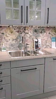 Kitchen Hood Design, Grey Kitchen Designs, Kitchen Cabinet Design, Modern Kitchen Design, Interior Design Kitchen, Home Decor Kitchen, Diy Kitchen, Home Kitchens, Tiles For Kitchen