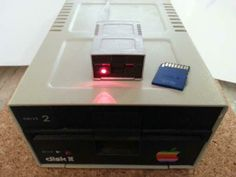 Apple Disk II Shaped USB SD Card Reader
