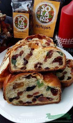 Cozonac fara Framantare Chocolate Eclair Cake, Christmas Bread, Waffle Cake, Romanian Food, Pastry And Bakery, Food Cakes, Sweet Cakes, I Foods, Cake Recipes