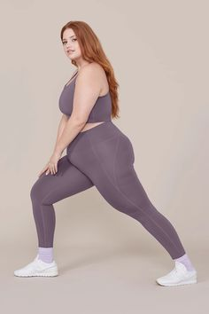 Human Poses Reference, Body Reference, Female Reference, Poses Modelo, Bree Kish, Outfit Zusammenstellen, Modelos Plus Size, Plus Size Workout, Cool Poses