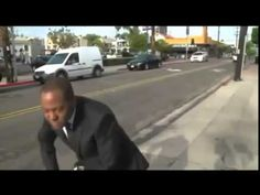 TV News Reporter Breaks Out Into Epic Nae Nae Dance during Commercial Br...