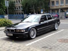 JUST BMW E38 : Photo
