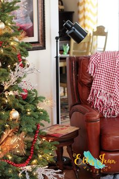 christmas living room, cozy, christmas decor, holiday decor, leather recliner, modern recliner, lamp, christmas tree