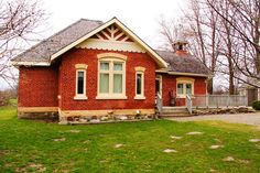 Bally Grant Schoolhouse, renovated into family home - Clearview, Ontario, Canada [built 1850]