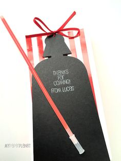 Darth Vader Star Wars gift tags with glow stick lightsaber. Birthday party treat bag. Thank you tag, party favor tags.