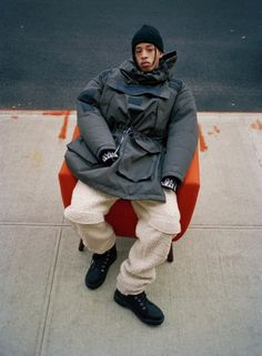 Martine Rose Brings Blown-Out Proportions and Streamlined Details to Iconic Napapijri Outerwear - Fashion Hip Hop, Collection Capsule, Oversized Jacket, Boy Fashion, Fashion Design, Fashion Photo, Mode Inspiration, Design Inspiration, Black Men