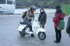 絶品ムロアジ茶漬けを求めて。ベスパで走る八丈島(動画インプレあり) | Moto Be バイクの遊び方を提案するWEBマガジン、モトビー