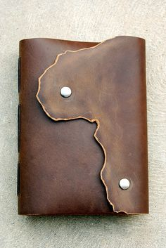 Commissioned Journal by Smile And Wave on Flickr.   Super way to show the edge of the hide!!